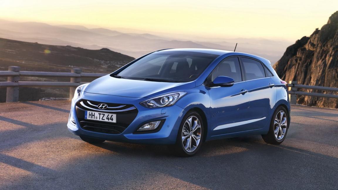 2012-Hyundai-i30-1_Snapseed