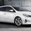 2013_Toyota_Auris_Touring_Sports_011_7205