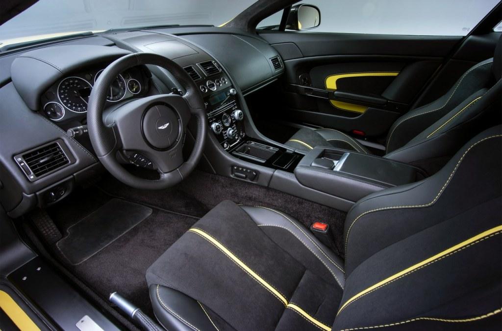 Aston_Martin_V12_Vantage_S_28