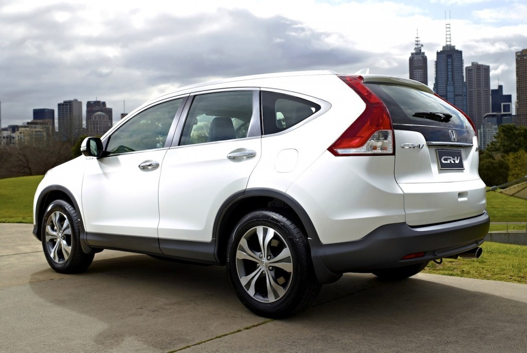 2013-Honda-CR-V-White-Rear-Three-Quarters-1024x686