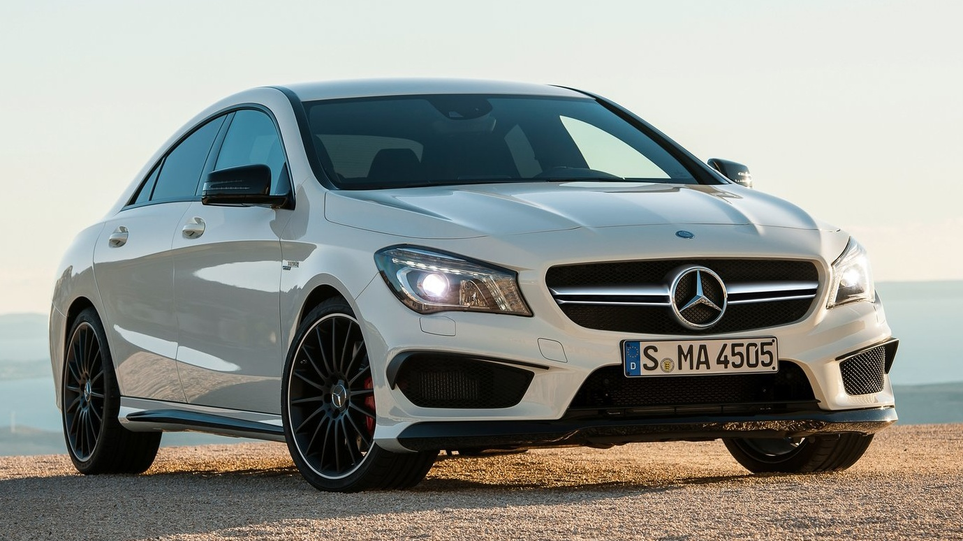 Mercedes-Benz CLA 45 AMG (2)