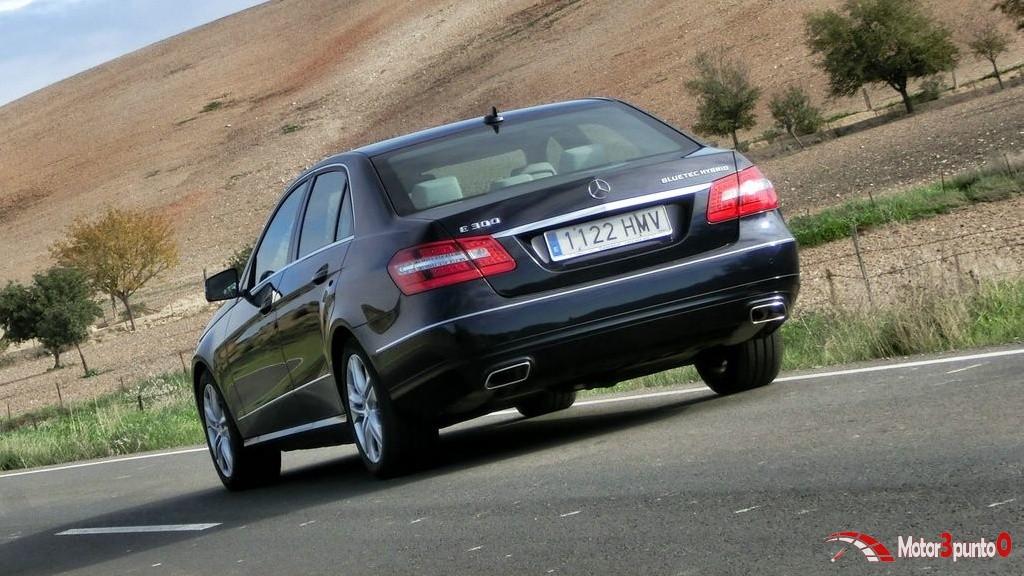 Mercedes Clase E 300 Bluetec Hybrid (16)