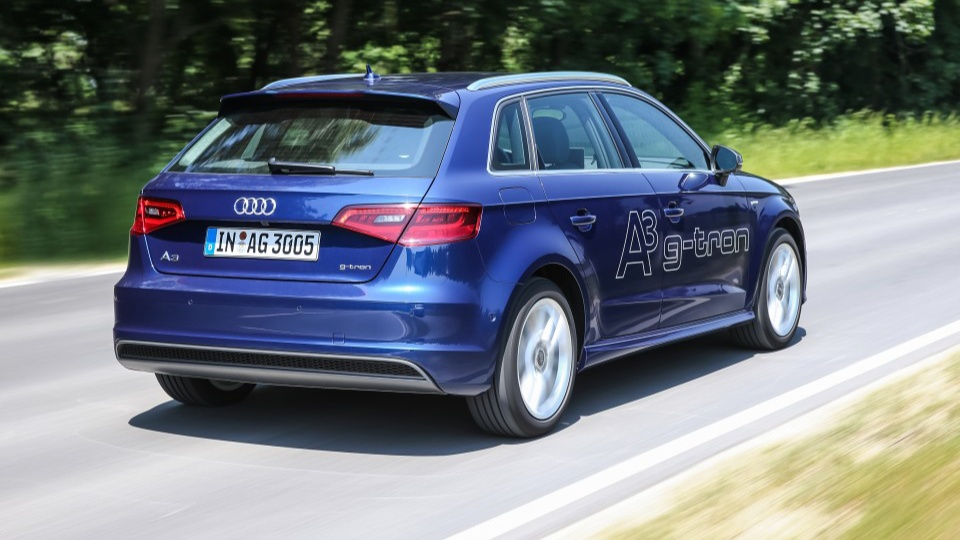 Audi-A3-Sportback-g-tron_01-960x678