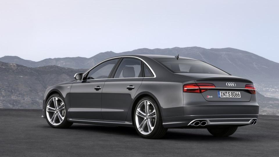 Audi_S8_02_8MjpgMjpg-960x640