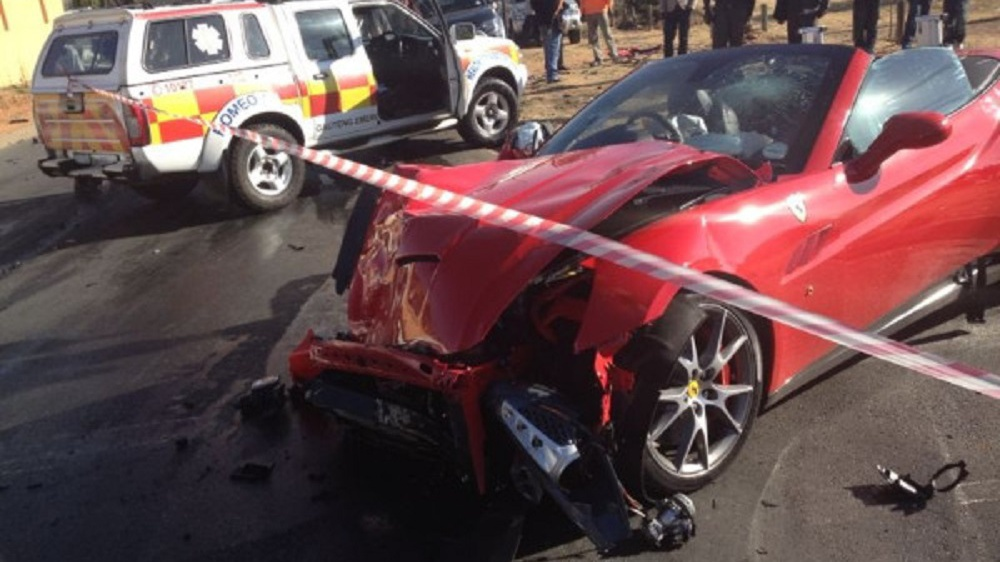 ferrari-california-crash-south-africa-johannesburg-september-2013