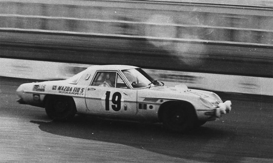 1967-Mazda-Cosmo-110S 84 horas