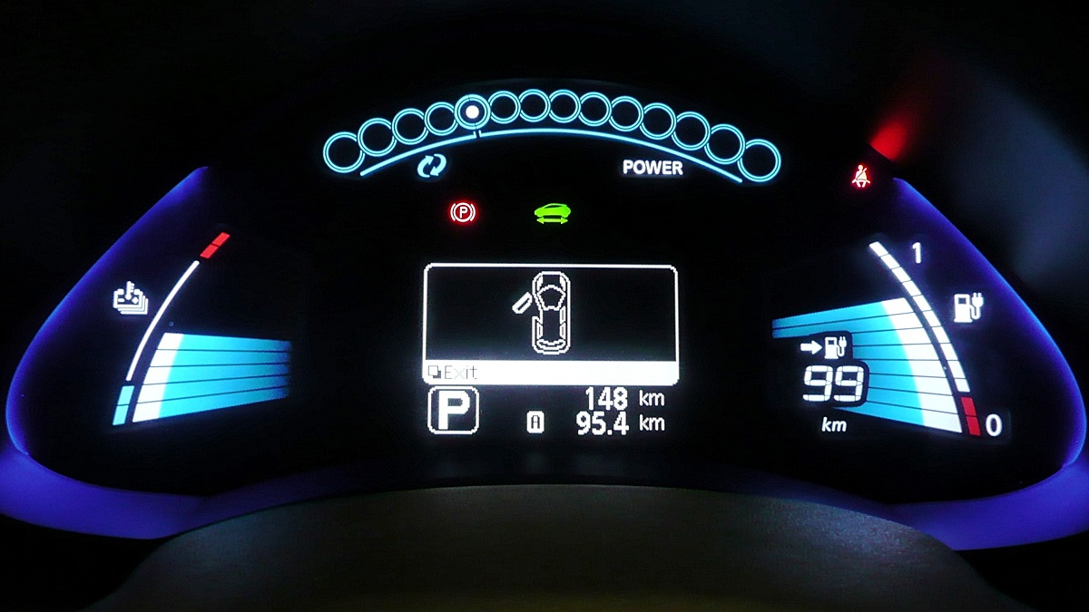 Nissan_Leaf_Dashboard_Display