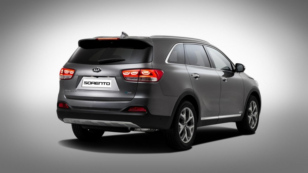 3rd Generation Kia Sorento (rear quarter)